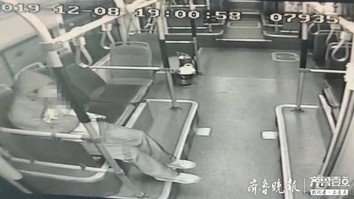 八岁孩子迷路回不了家 济南公交司机接力送孩子回家