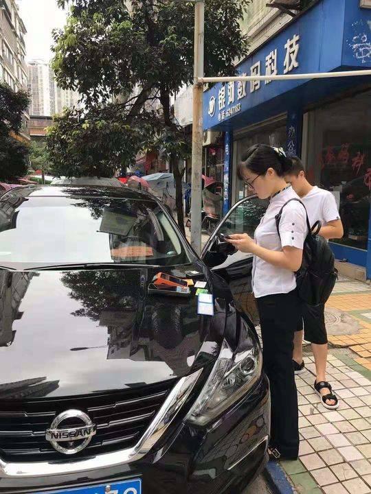 """相伴车主畅游""""E""""路 农行四川大竹支行为市民提供ETC服务"""