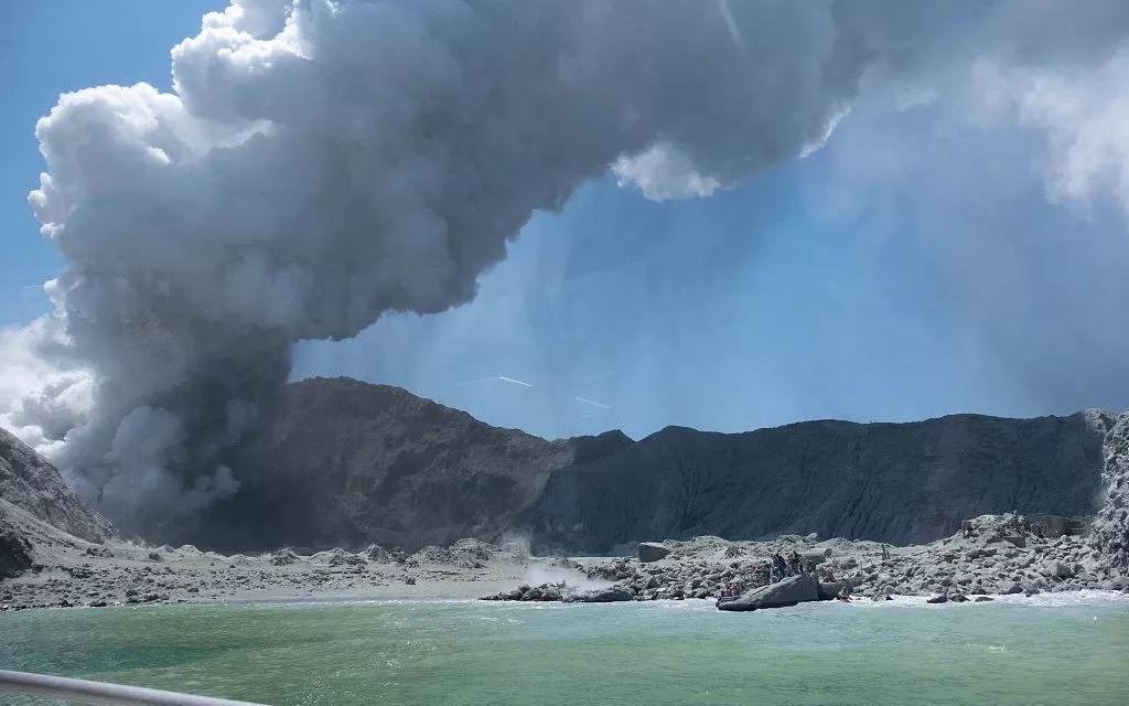 新西兰火山喷发前警戒级别曾达2
