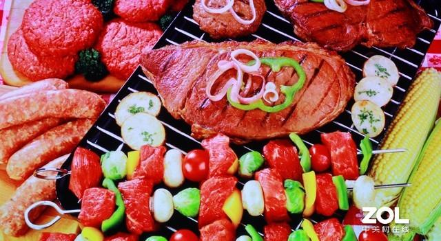 色彩风格讨喜 食物看起来很有光泽