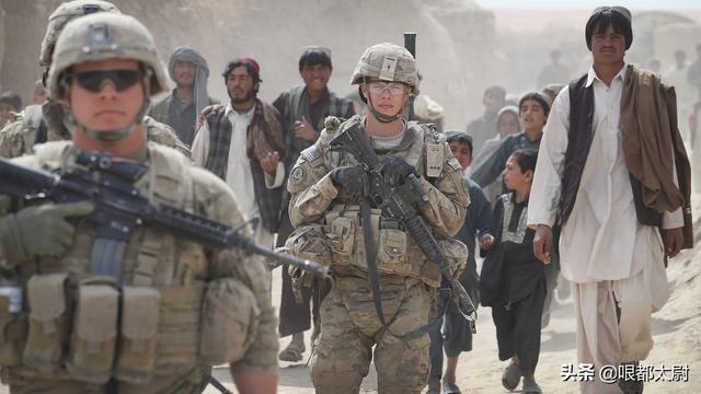 在我们邻国打了18年,美军一直战果造假!终于承认:不可能成功