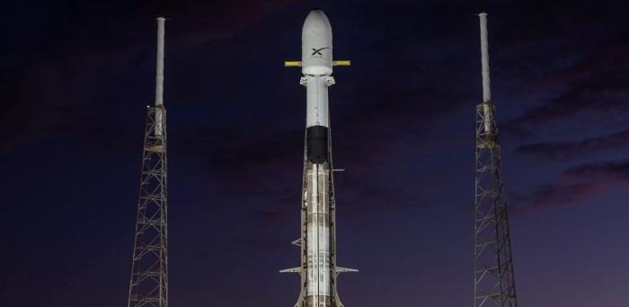 SpaceX宣布两周内发射第三批Starlink卫星;普渡大学团队开发出能同时计算与存储的芯片