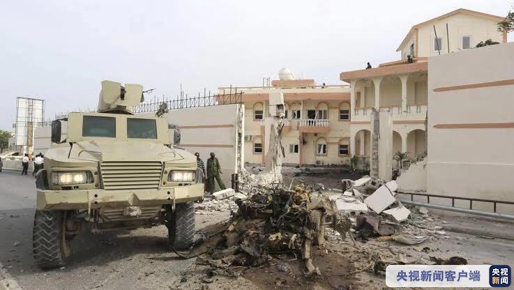 索马里首都一酒店遭袭 致包括袭击者在内10死11伤
