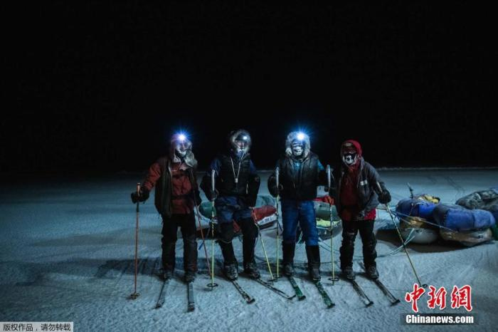 硬核热血!历时87天 两名探险家滑雪穿越北冰洋
