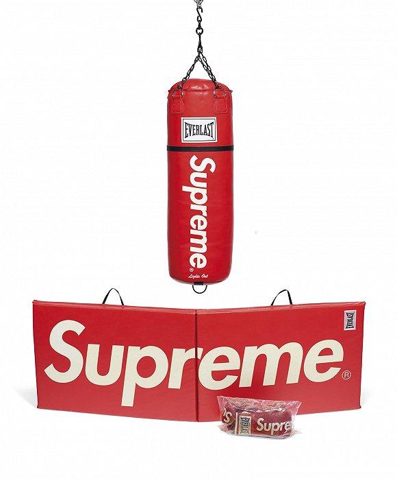 Supreme拳击套组 图片来源:佳士得官网
