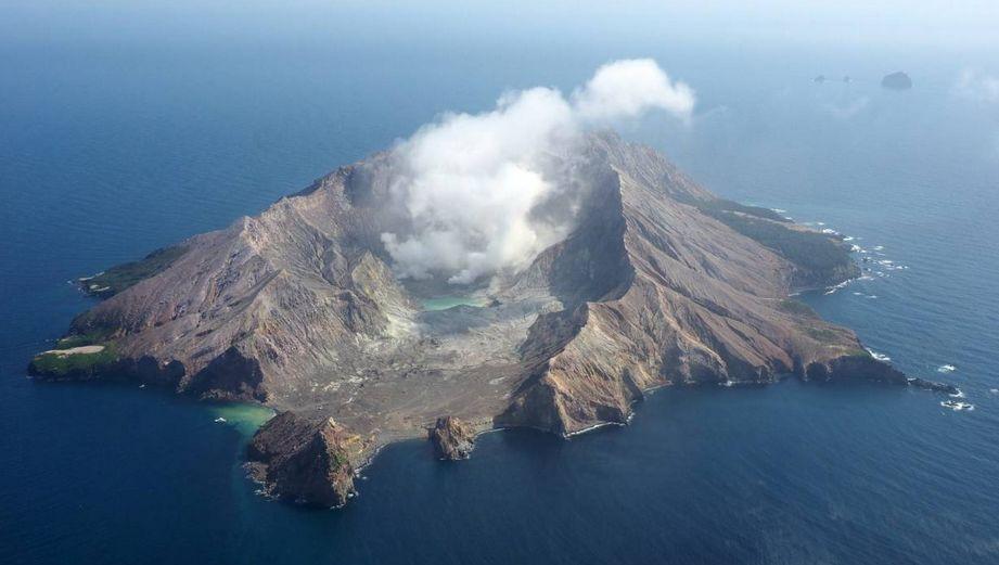 新西兰火山爆发致多人死伤:绝境