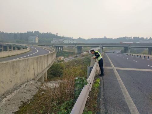 [四川]全省高速公路行业扎实做好绵阳市安州区4.6级地震高速公路应急保障工作(图)