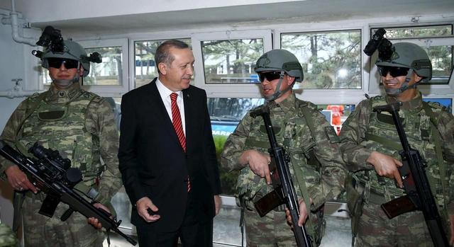 土耳其对美国发通牒,威胁驱逐五千美军,大批核弹或遭扣押