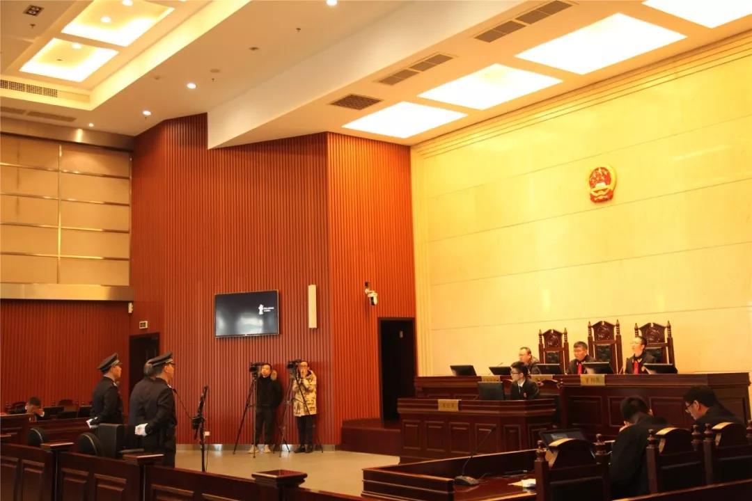 温州医科大附属二院原院长连庆泉犯受贿罪一审获刑四年