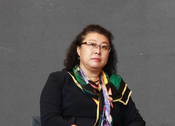 内蒙古一女厅官被公诉:对诈骗犯