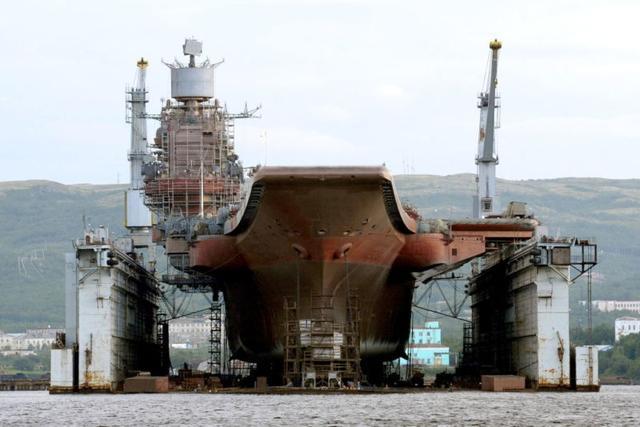 俄航母维修难以为继,美海军一坞两艘伯克驱逐舰,给对手提了个醒
