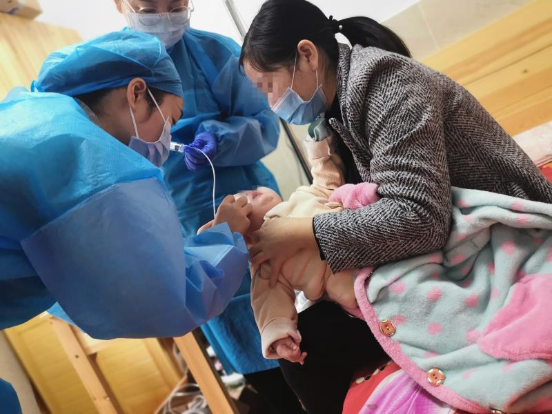 """长沙可以""""网约护士""""了!1岁宝宝在家就享受居家护理"""