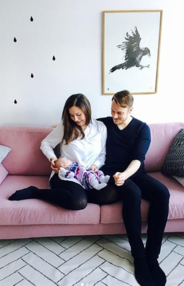 马林与男友和女儿的合影