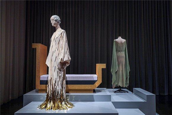 """""""对话:浪凡130年""""时尚和服饰展览。图片来源:复星时尚"""