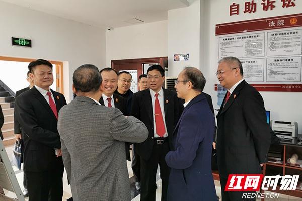 """省高院督导组到醴陵法院指导两个""""一站式""""建设工作"""