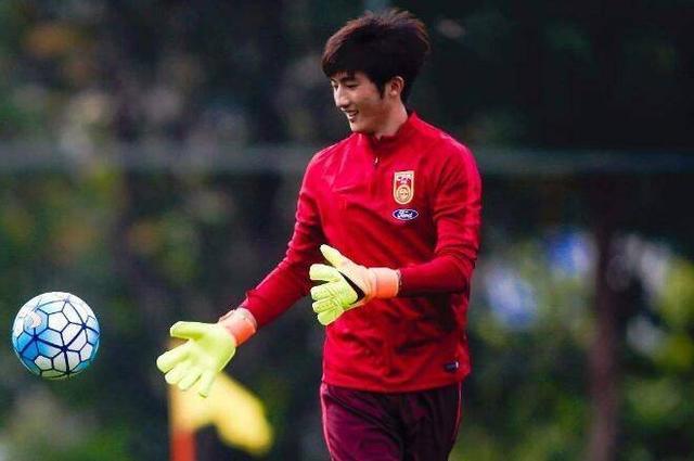 国足对阵韩国首发预测,韦世豪将回归首发阵容,多个位置或将轮换