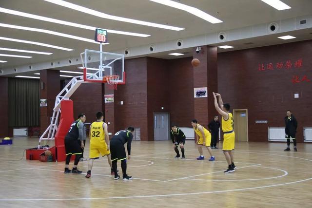 历时两个月,奎文区圣卓实验学校第一届家校共建篮球友谊赛圆满结束