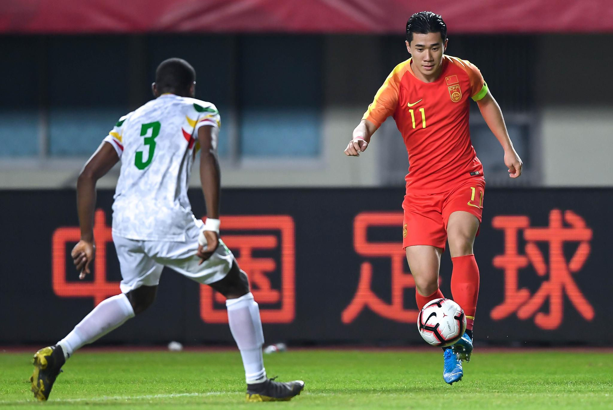国奥半场:张玉宁陈彬彬破门,中国2-0马里