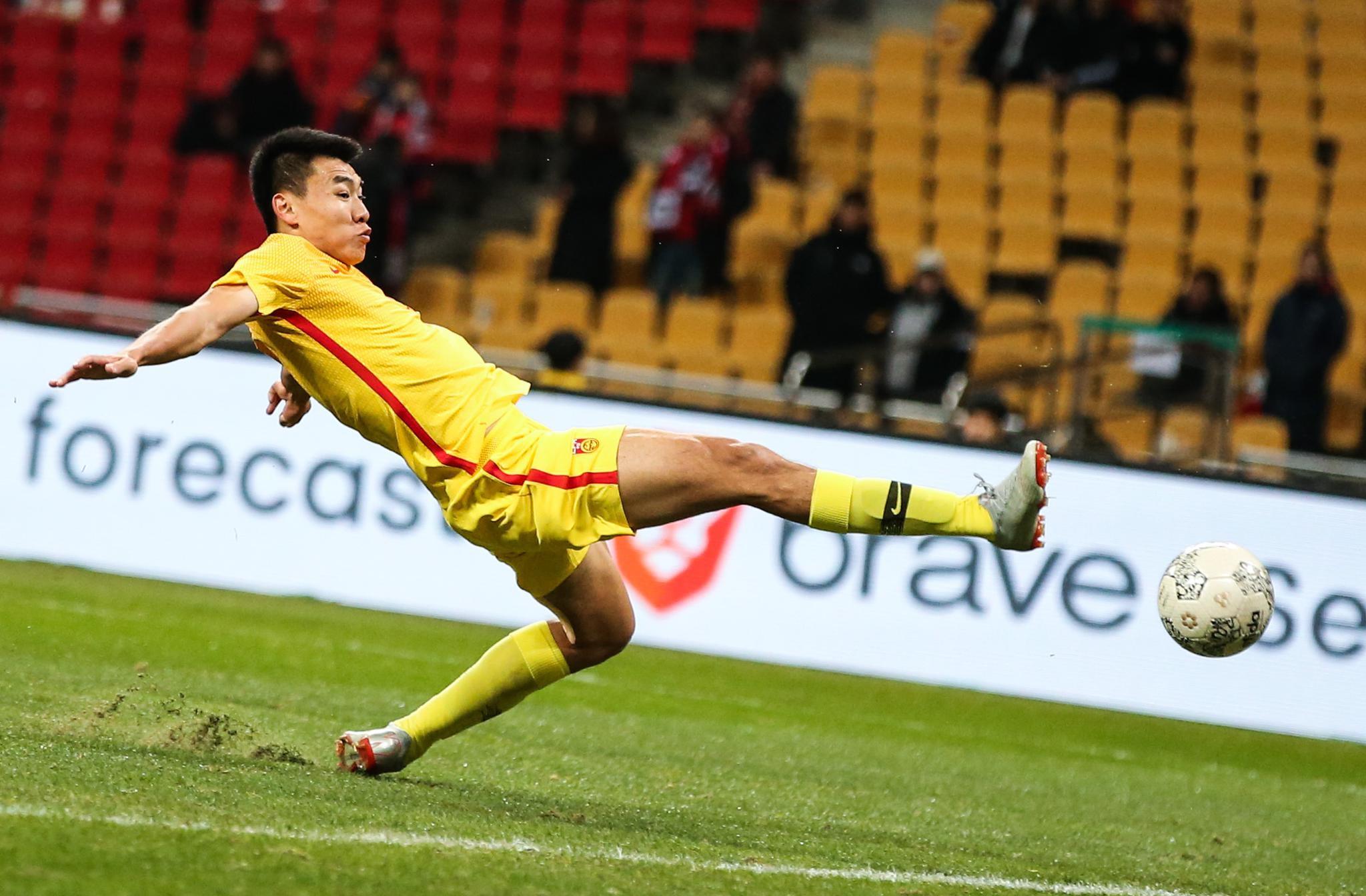 东亚杯 场面被动 中国队0:1负东道主韩国