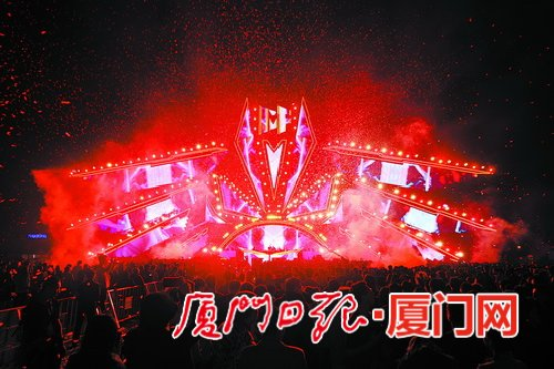 """IMF厦门超级音乐嘉年华2.0昨举办 酷炫""""鹭神""""点亮夜空"""