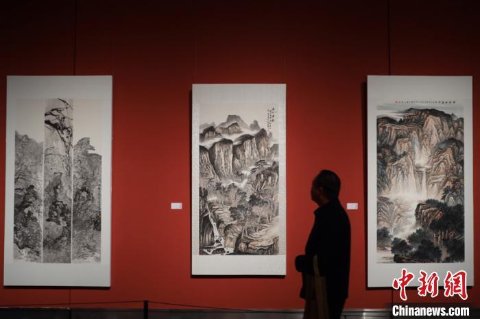 中国书画之乡胥口书画作品展亮相江苏省美术馆展《太湖春秋》