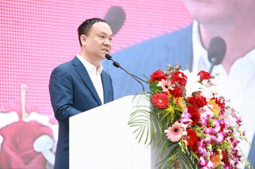 一下科技韩坤出席首届网红经济大会 探讨新形势下网红经济发展方向