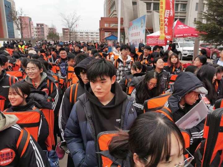 """潍坊4698人参加省艺考统考!未来艺术文化""""双优""""才能走得更远"""