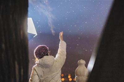 降雪添堵早高峰 超5万环卫人员除
