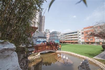 建邺路小学是南京市园林式校园。 新华报业视觉中心记者 邵丹 摄