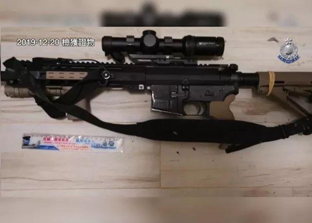 香港暴徒这把步枪 是美国枪击案