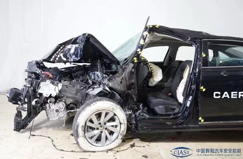 A柱弯折, 上汽大众帕萨特C-IASI碰撞测试成绩差图片