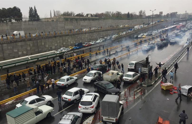 新一轮示威前夕政府断网?伊朗官员怒斥假新闻