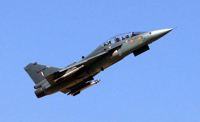印度军工一直说超越 国产战机却从来都挑不起大梁