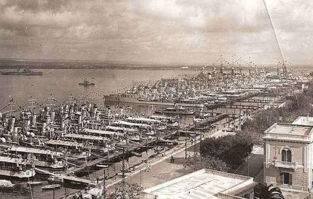 英国航母偷袭塔兰托港 重创意大利海军 两年后美国吃了同样的亏