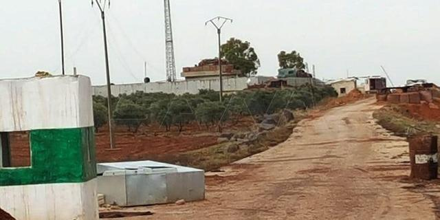 俄军战机支援,叙军包围土耳其哨所,土耳其防长:动一下试试