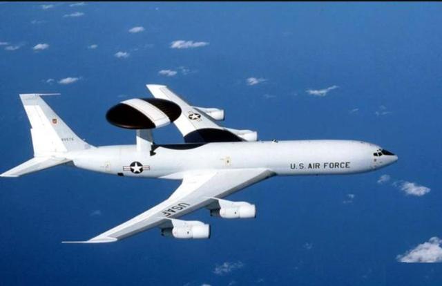 空警500预警机可700公里发现敌机,能自己发射导弹,击落敌机么?