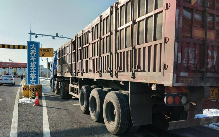 平谷区治理超载 已劝返183辆超载车