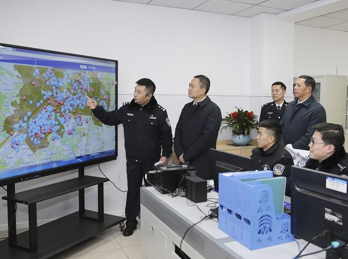 叶寒冰副省长赴成都市调研公安基层治理工作