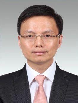 上海财政局副局长缪京任崇明区委副书记(图/简历)图片