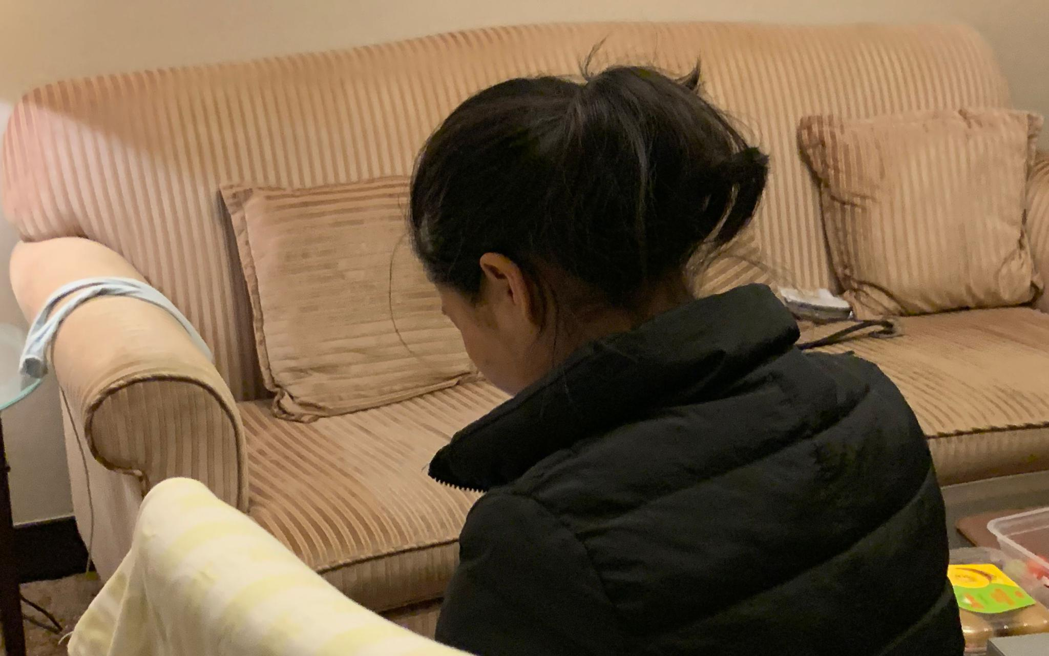 余瑜向新京报记者讲述事发前后。 新京报记者 蒋鹏峰 摄