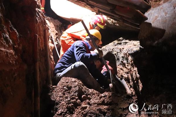 广西博白一管道施工现场发生坍塌事故 致1死1伤