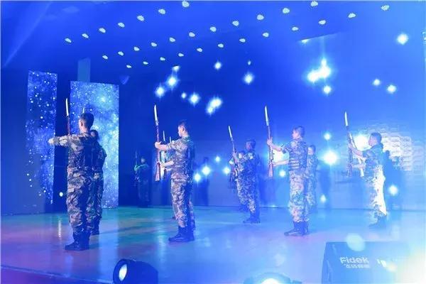 现役军人福利又来了,这次身份很不一般,军人荣光很实在