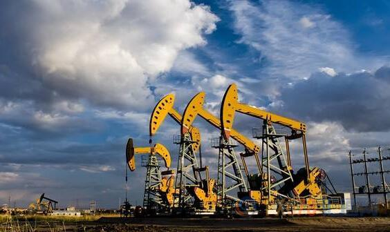OPEC+计划加大减产力度,但未延长减产期限,美油和布油涨跌互现