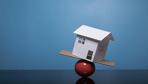 多家房企陷停工窘境债务危局难解 地产行业再向头部开发商集中