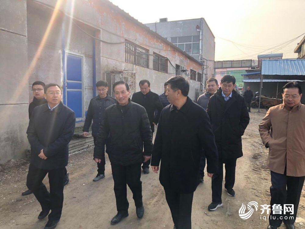 沂源:为农服务中心院杂草清理 成立管理办公室监督