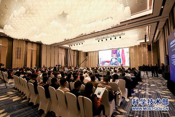 金砖国家生物技术与生物医学创新合作大会在泰州召开