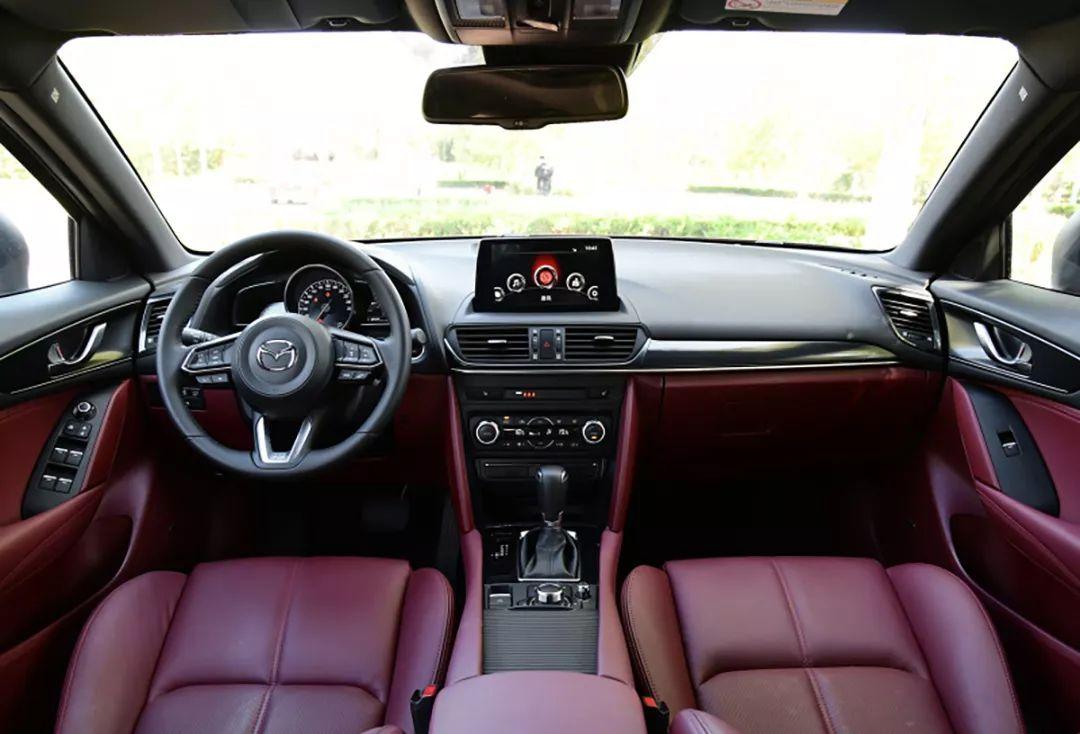 这车挺多梗:壳大空间小,这台15万级SUV只能开不能坐?