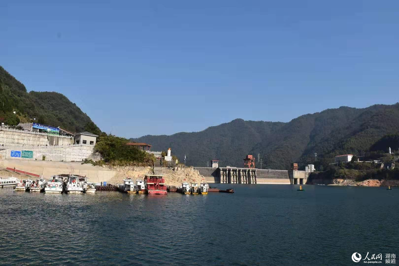 世界内河首艘纯LNG燃料动力客船开启东江湖首航