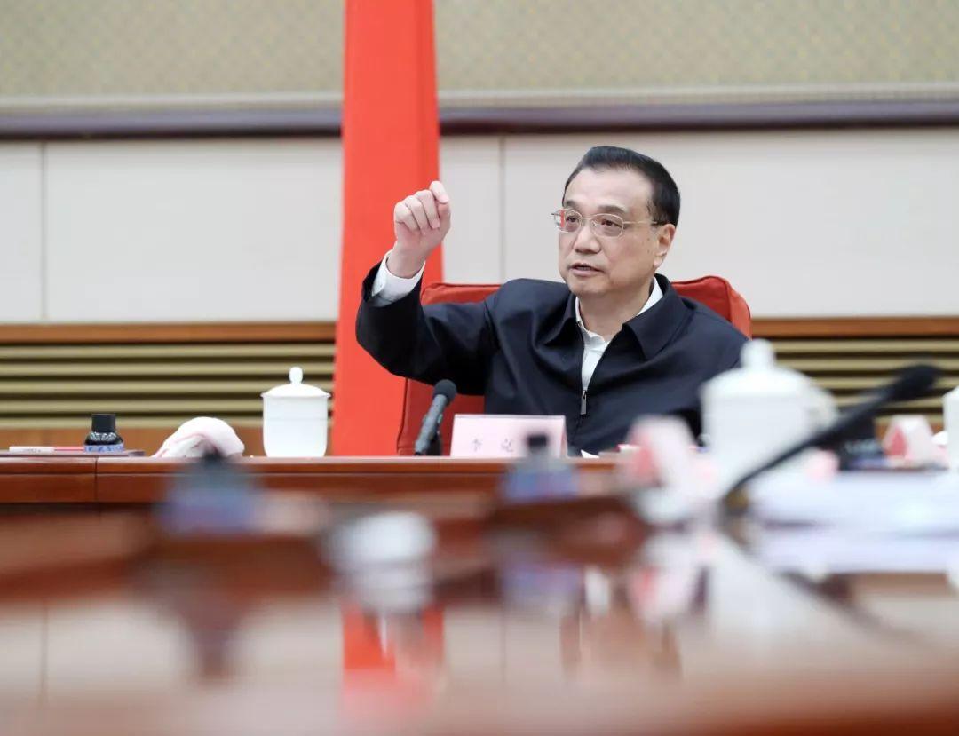 李克强:各级政府和国有企事业单位不得以任何理由拖欠农民工工资