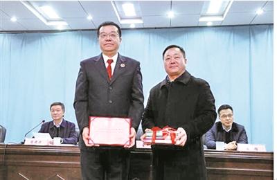 江宁区10所中小学 聘任法治副校长